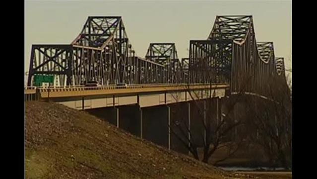Construction Restricts Bridge Traffic