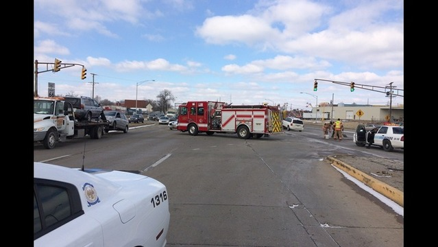 Accident Closes Part of Lloyd Expressway