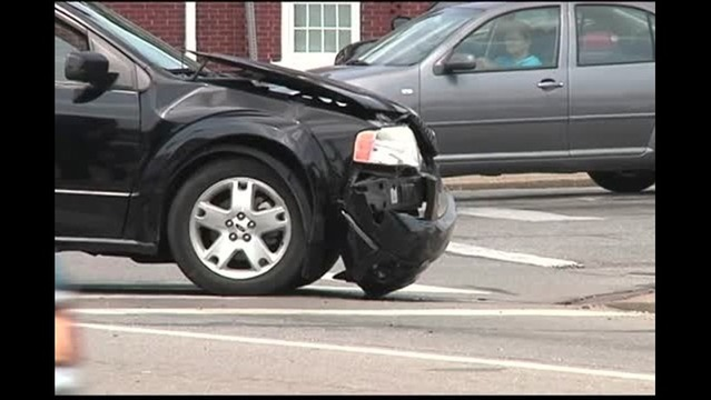 Three Hurt in Accident at Madisonville Intersection