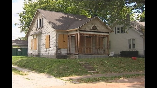 Kiwanis Donate for Abandoned Home Makeover Project