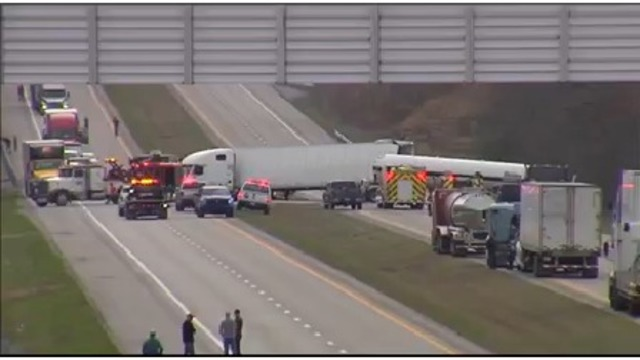 Two Hurt in Crash Involving Two Big Rigs in Hopkins Co.