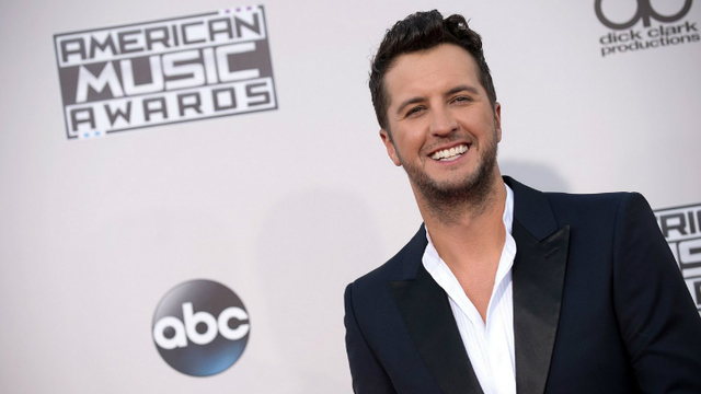 Luke Bryan announces February concerts in Evansville, Louisville