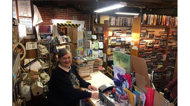 Book Nook owner selling store