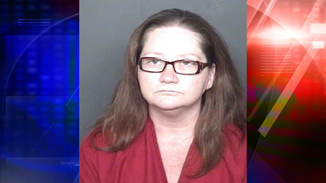 Woman accused of stealing purse from nursing home