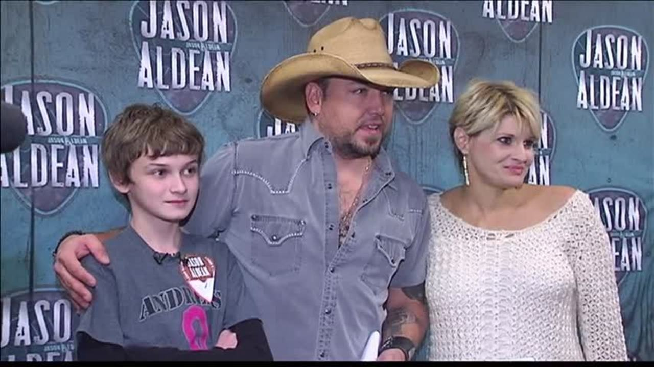Son Ask Jason Aldean To Meet His Mother Whos Battling Cancer