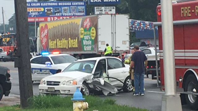 Two Accidents Happen Yards From Each Other on US 41 in Henderson