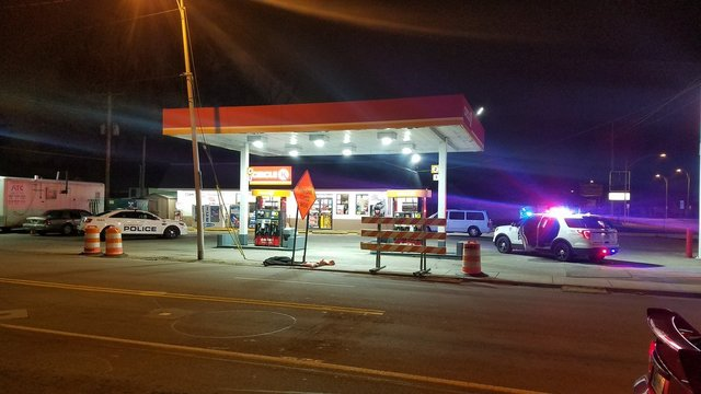 Police investigate overnight hold-up in Evansville